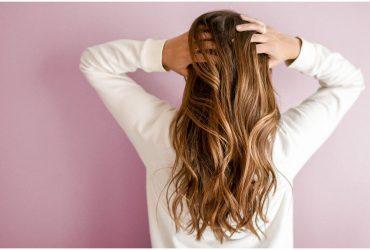 Voici comment utiliser l'huile de ricin pour vos cheveux