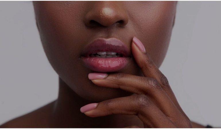 Pouvez-vous utiliser de l'huile de ricin sur vos lèvres?